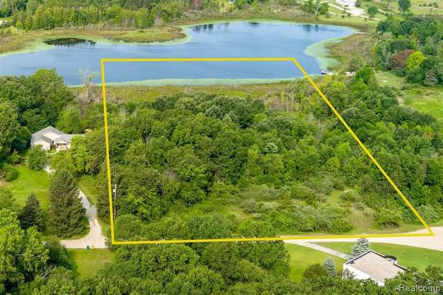 17500 Taylor Lake Rd Parcel A, Holly, MI 48442 (MLS #2210065164) :: The BRAND Real Estate