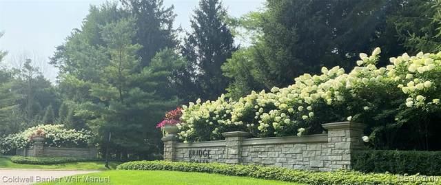 7795 Fieldstone Rdg, Clarkston, MI 48348 (MLS #2210066016) :: The BRAND Real Estate