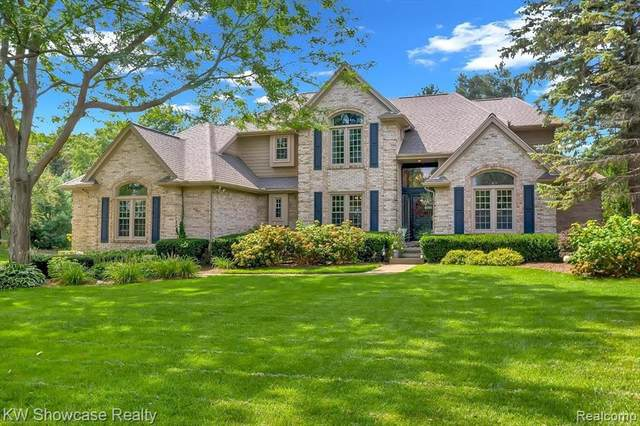2463 Vero Dr, Highland, MI 48356 (MLS #2210067580) :: Kelder Real Estate Group