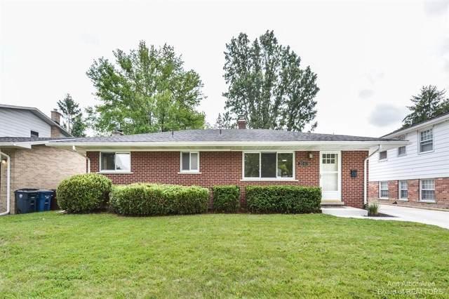 2041 Norfolk St, Ann Arbor, MI 48103 (MLS #3283385) :: Kelder Real Estate Group