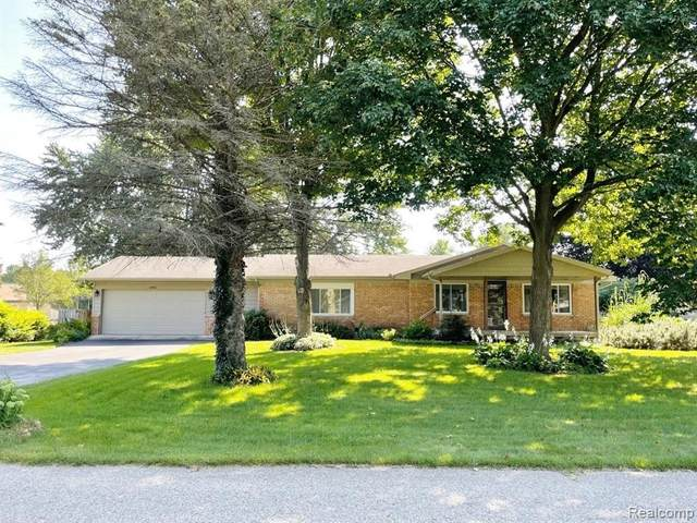 22980 Valerie St, South Lyon, MI 48178 (MLS #2210068923) :: Kelder Real Estate Group