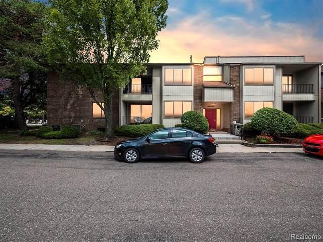 5886 S Vassar Unit#Apt B-Bldg, West Bloomfield, MI 48322 (MLS #2210069132) :: The BRAND Real Estate