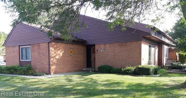 3690 Old Creek Rd, Troy, MI 48084 (MLS #2210072555) :: Kelder Real Estate Group