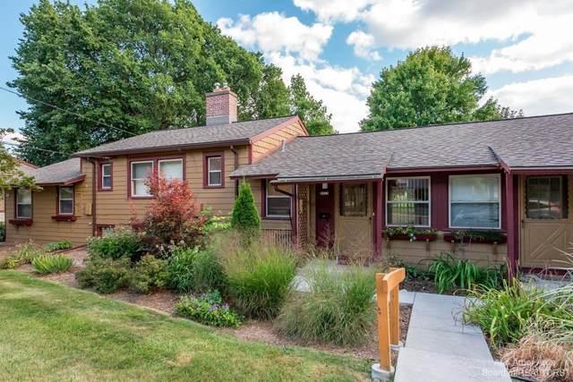 2317 Parkwood Ave, Ann Arbor, MI 48104 (MLS #3283668) :: The BRAND Real Estate