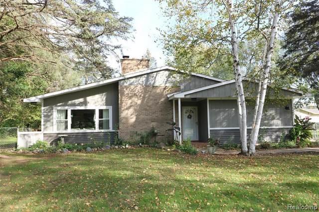 1495 Munson St, Burton, MI 48509 (MLS #2210085428) :: The BRAND Real Estate