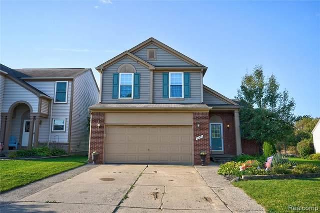 10330 Edgewater Trail, Holly, MI 48442 (MLS #2210086490) :: Kelder Real Estate Group