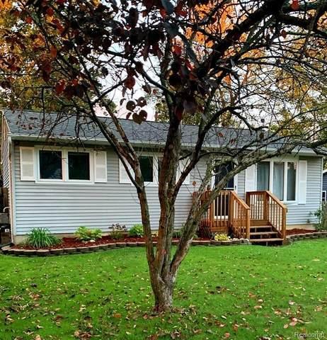 513 Walnut St, Flushing, MI 48433 (MLS #2210085950) :: The BRAND Real Estate