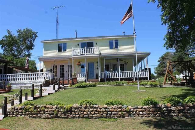8949 Lakeshore Rd, Lexington, MI 48450 (MLS #50030401) :: Kelder Real Estate Group