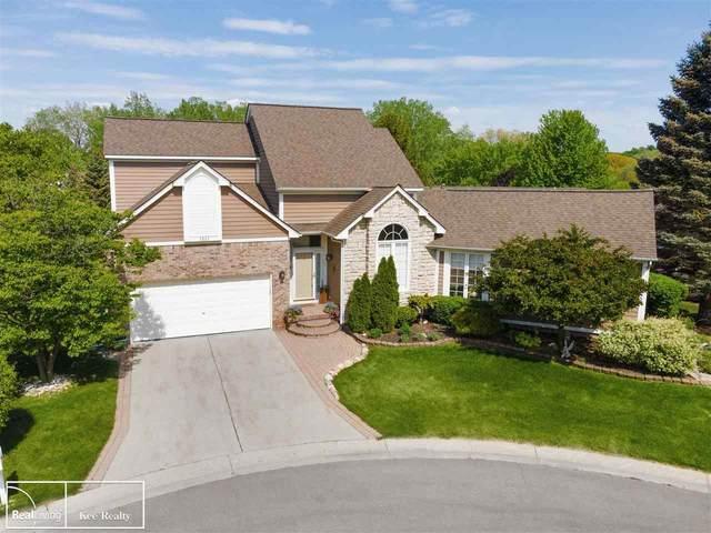 3233 Topview, Rochester Hills, MI 48309 (MLS #50042084) :: Kelder Real Estate Group