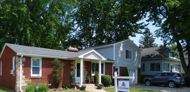 2031 Saint Clair River Dr, Algonac, MI 48001 (MLS #50047240) :: Kelder Real Estate Group