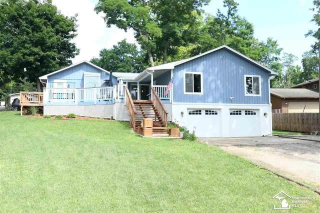 10338 Cedarcrest, Whitmore Lake, MI 48189 (MLS #50047876) :: Kelder Real Estate Group