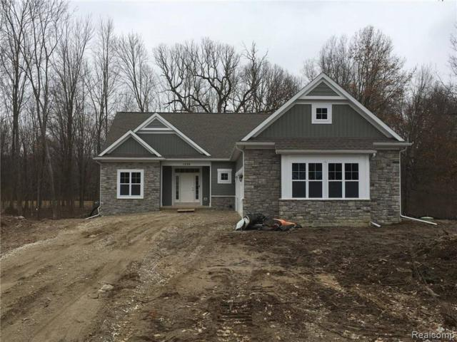 1258 Courtney Crt, Hartland, MI 48353 (MLS #219022824) :: The John Wentworth Group