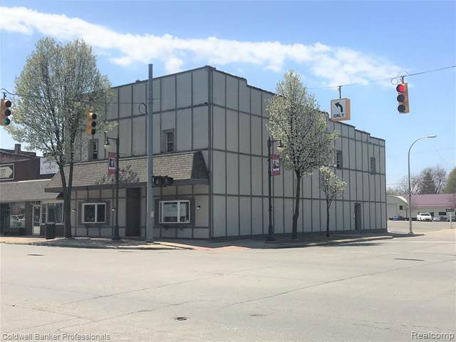 3006 Main St, Marlette, MI 48453 (MLS #2200033117) :: The Tom Lipinski Team at Keller Williams Lakeside Market Center