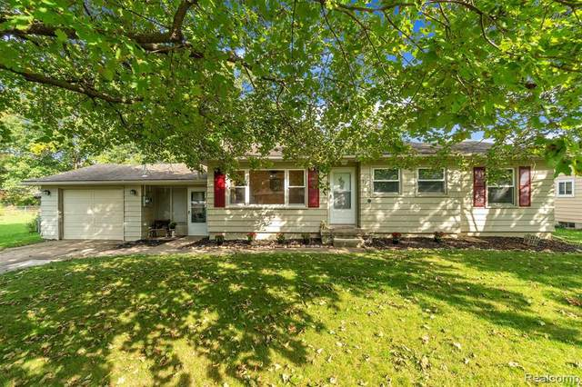 528 James Connis Dr, Flushing, MI 48433 (MLS #2200071892) :: Scot Brothers Real Estate