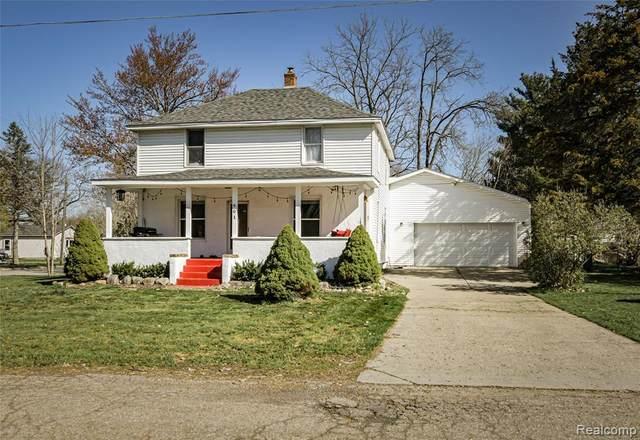 401 Thomas St, Holly, MI 48442 (MLS #2210025198) :: The BRAND Real Estate
