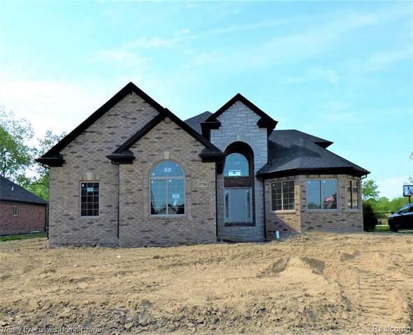 35920 Windridge Dr, New Baltimore, MI 48047 (MLS #2210028881) :: Kelder Real Estate Group