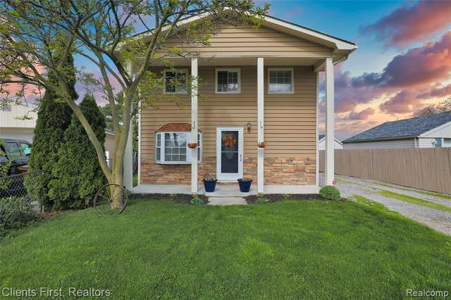 7646 Waters St, Newport, MI 48166 (MLS #2210032396) :: The BRAND Real Estate