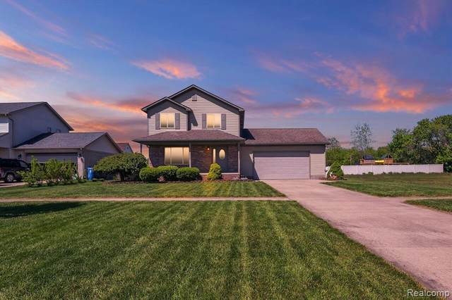 12459 Matthews St, Carleton, MI 48117 (MLS #2210034592) :: The BRAND Real Estate