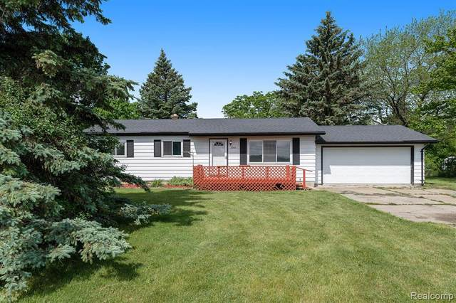2386 S Genesee Rd, Burton, MI 48519 (MLS #2210041907) :: The BRAND Real Estate