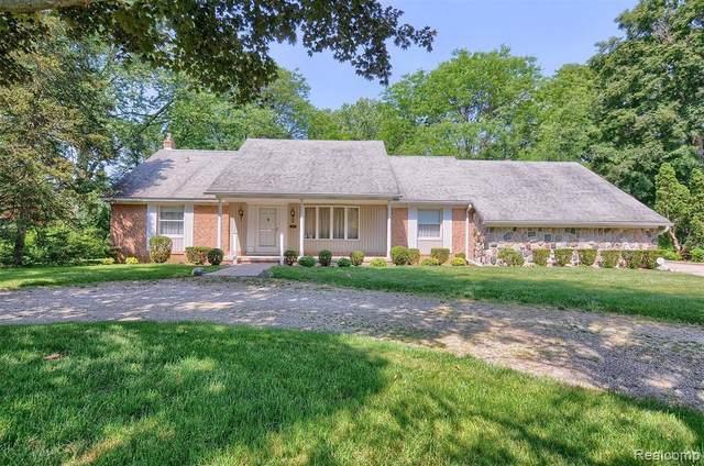 4775 Belzair Dr, Troy, MI 48085 (MLS #2210044218) :: The BRAND Real Estate