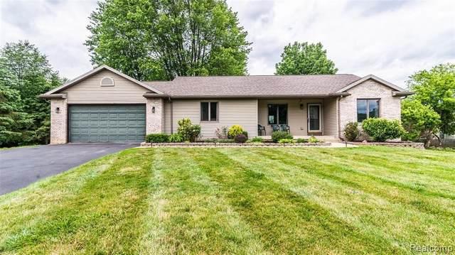3104 Meadow Brook Rd, Owosso, MI 48867 (MLS #2210048169) :: Kelder Real Estate Group