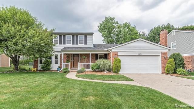 37686 Myrna St, Livonia, MI 48154 (MLS #2210052496) :: Kelder Real Estate Group