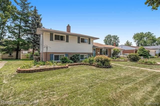 8744 Leslie Dr, Sterling Heights, MI 48314 (MLS #2210048860) :: Kelder Real Estate Group