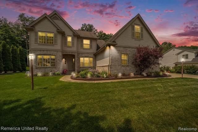 1527 Andover Blvd, Howell, MI 48843 (MLS #2210053826) :: Kelder Real Estate Group