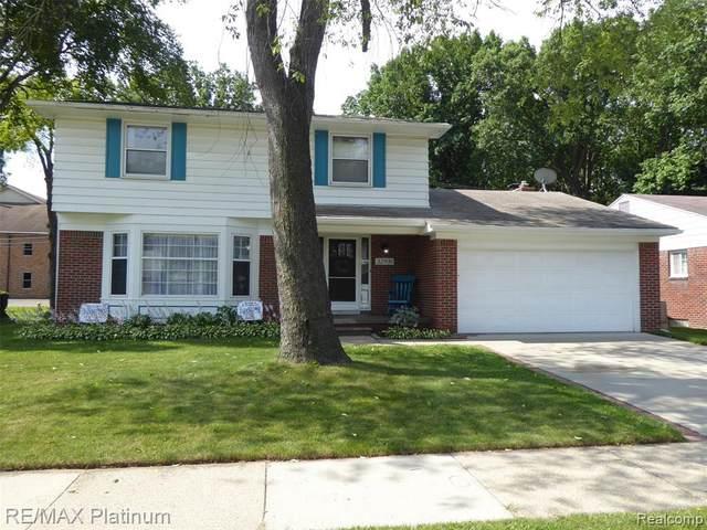 32939 Scone St, Livonia, MI 48154 (MLS #2210054259) :: Kelder Real Estate Group