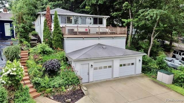 5650 Glen Echo Dr, Howell, MI 48843 (MLS #2210055094) :: Kelder Real Estate Group
