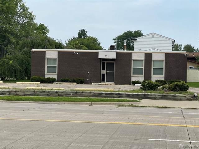 15944 W 12 MILE RD, Southfield, MI 48076 (MLS #2210058618) :: Kelder Real Estate Group
