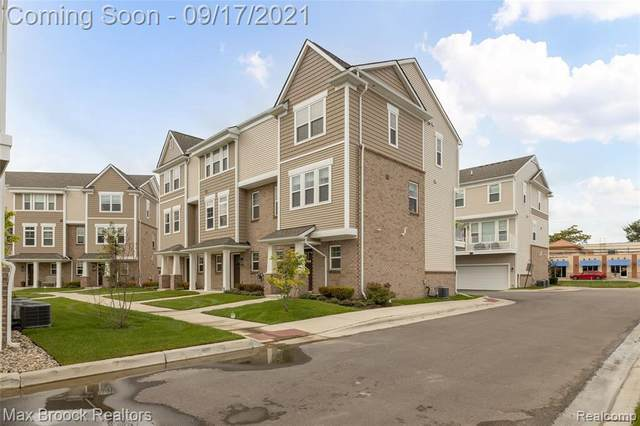 2500 Normandy Rd Unit#30, Royal Oak, MI 48073 (MLS #2210076793) :: The BRAND Real Estate