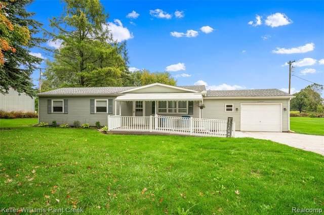 4773 Shoemaker Rd, Almont, MI 48003 (MLS #2210082318) :: Kelder Real Estate Group