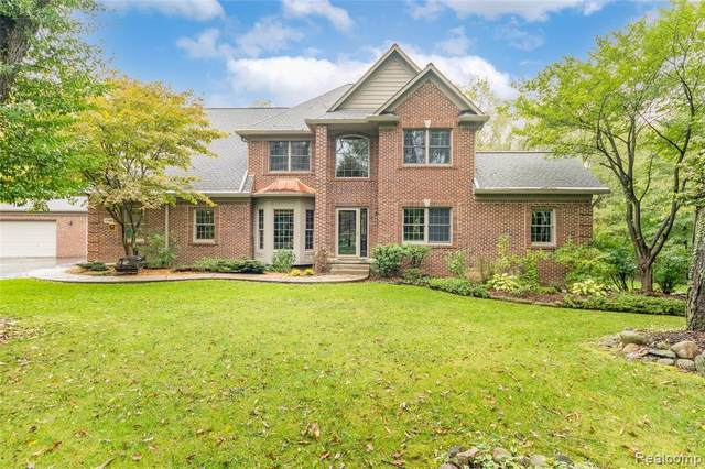 3748 Catherine Anne, Holly, MI 48442 (MLS #2210086214) :: The BRAND Real Estate