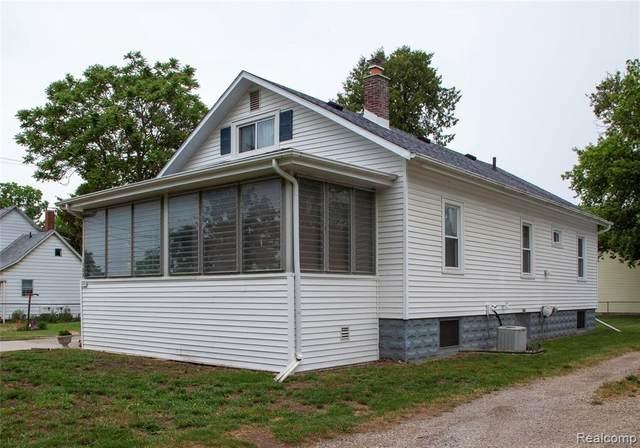103 Butler St, Clio, MI 48420 (MLS #2210042771) :: Kelder Real Estate Group