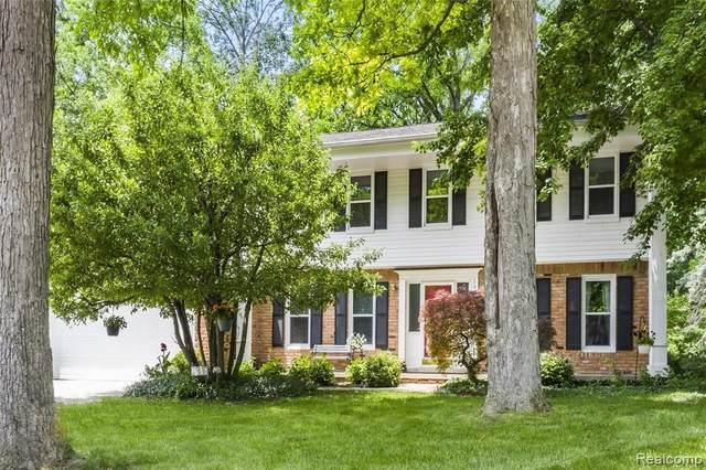 2974 Leyton Crt, Rochester Hills, MI 48306 (MLS #2210044977) :: Kelder Real Estate Group