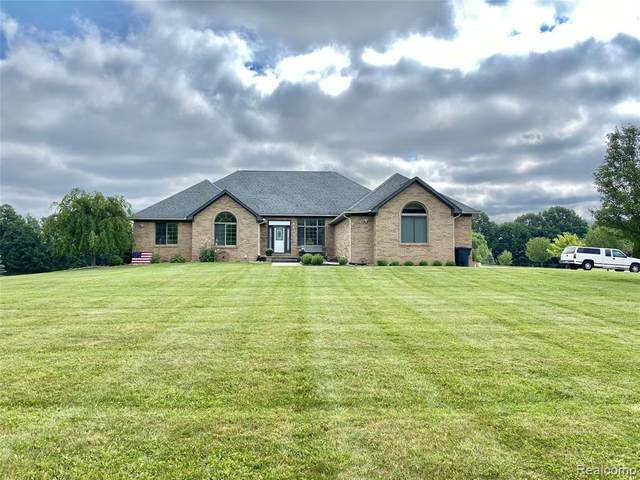 6335 Fox Rdg, Almont, MI 48003 (MLS #2210053571) :: Kelder Real Estate Group