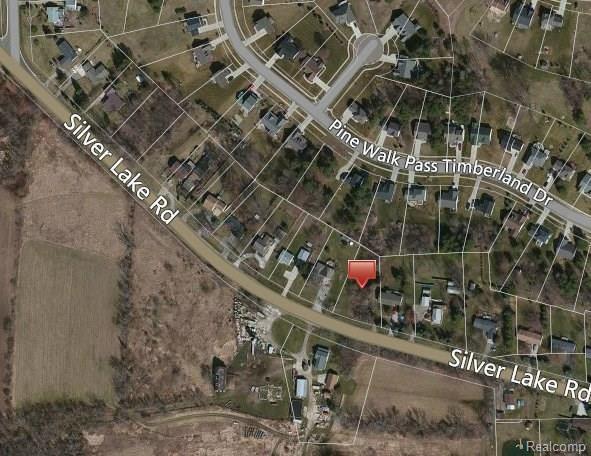 9178 Silver Lake Rd, Linden, MI 48451 (MLS #217073926) :: The John Wentworth Group