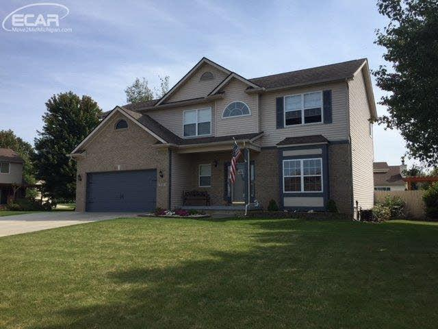 5196 Concordia Dr, Grand Blanc, MI 48439 (MLS #30071226) :: The John Wentworth Group