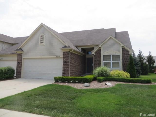 20750 Sleepy Hollow Dr, Macomb, MI 48044 (MLS #217103623) :: The Tom Lipinski Team at Keller Williams Lakeside Market Center