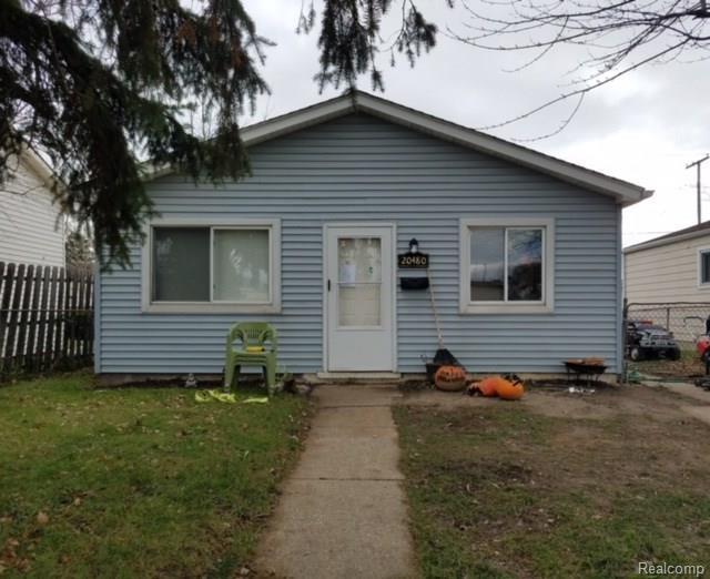 20480 Abrahm St, Clinton Township, MI 48035 (MLS #218002826) :: The Peardon Team