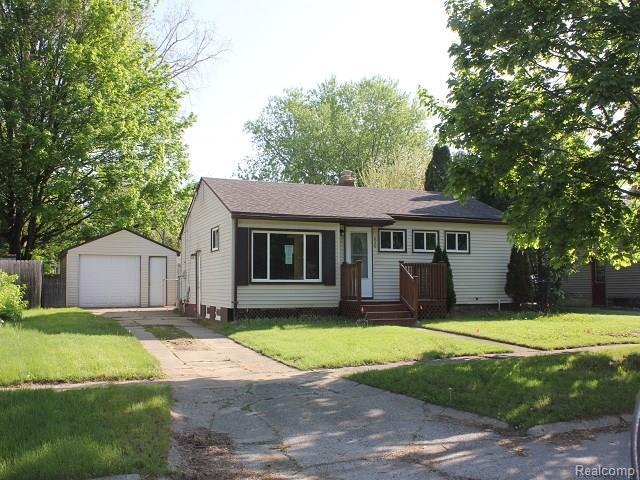 836 Westwood Dr, Fenton, MI 48430 (MLS #218045147) :: The John Wentworth Group