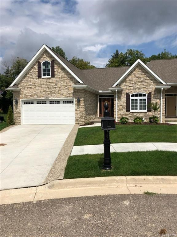 12330 Worthington Crt, Grand Blanc, MI 48439 (MLS #218079742) :: The John Wentworth Group