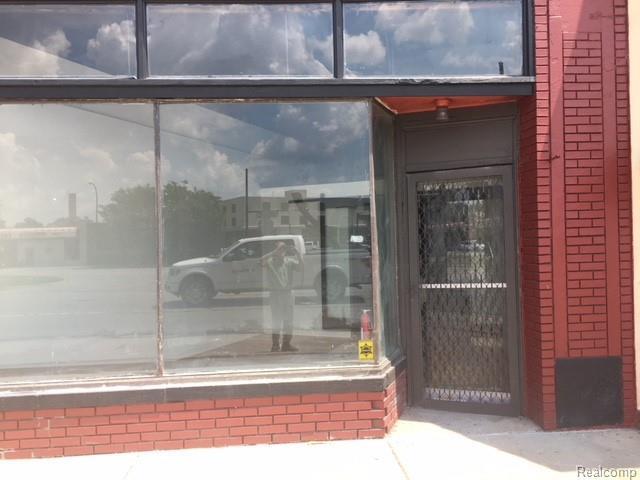 22016 Woodward Ave, Ferndale, MI 48220 (MLS #218096481) :: The Tom Lipinski Team at Keller Williams Lakeside Market Center