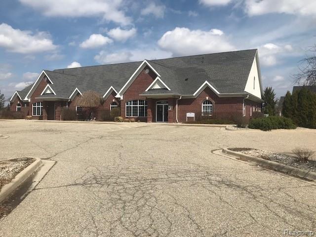3500 Calkins Rd, Flint, MI 48532 (MLS #219032281) :: The Tom Lipinski Team at Keller Williams Lakeside Market Center