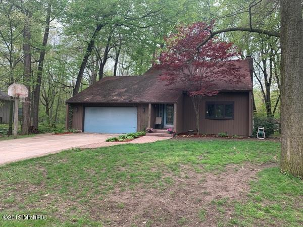 270 Bryan Dr, Coldwater, MI 49036 (MLS #19020320) :: The Tom Lipinski Team at Keller Williams Lakeside Market Center