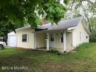 353 E Bacon St, Hillsdale, MI 49242 (MLS #19021612) :: The John Wentworth Group