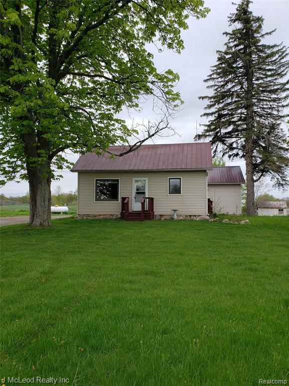 14307 State Rd, Otisville, MI 48463 (MLS #219046957) :: The Tom Lipinski Team at Keller Williams Lakeside Market Center