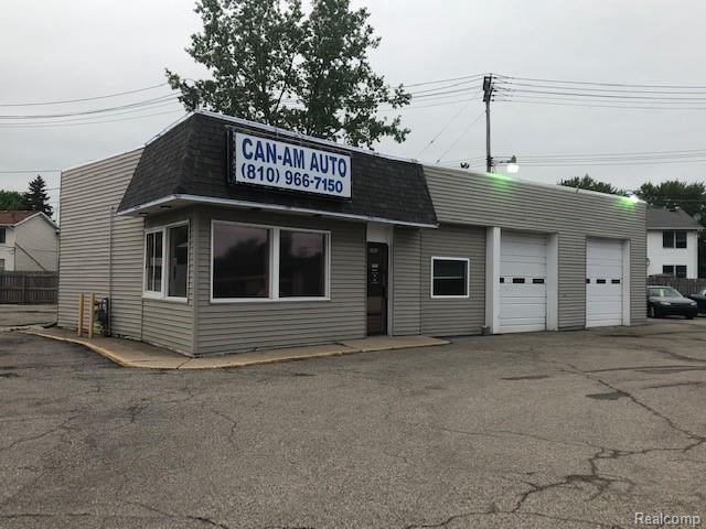 2563 Lapeer Ave., Port Huron, MI 48060 (MLS #219050135) :: The Tom Lipinski Team at Keller Williams Lakeside Market Center
