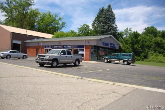 5600 S Saginaw St, Flint, MI 48507 (MLS #219059845) :: The Tom Lipinski Team at Keller Williams Lakeside Market Center